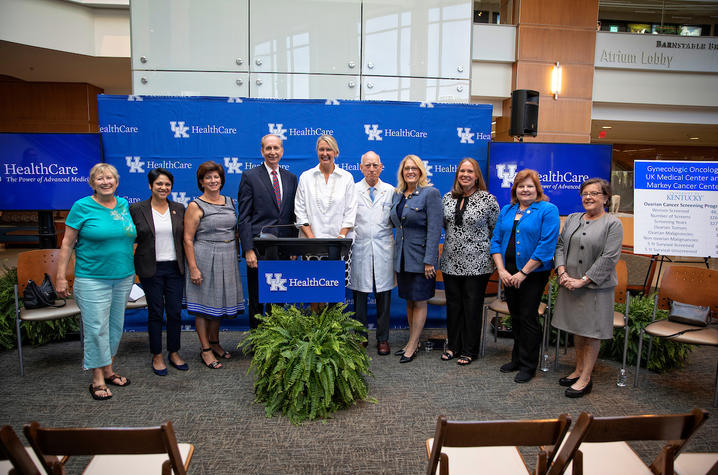 Kentucky legislators with UK HealthCare personnel