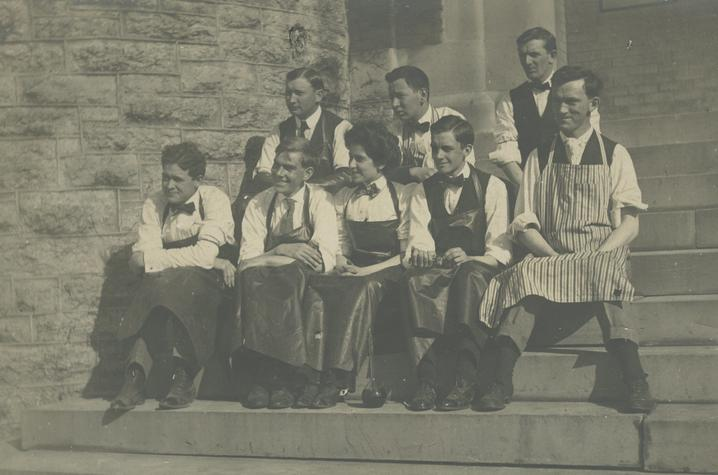 black and white photo of 1919 chemistry class students