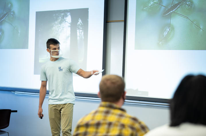 A student presenting in a clear face mask. Photo by Mark Cornelison | UKphoto