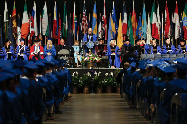 photo of UK Commencement ceremony