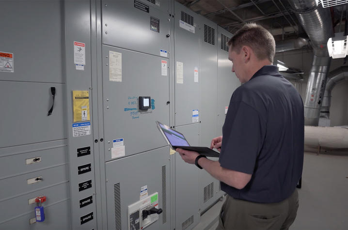Teams continually audit each building on campus and evaluates items such as building temperatures, light usage, space utilization, and occupancy patterns to identify opportunities to conserve energy.