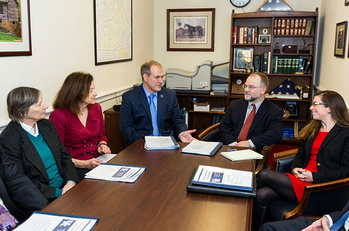 UK research meet with Congressional staff
