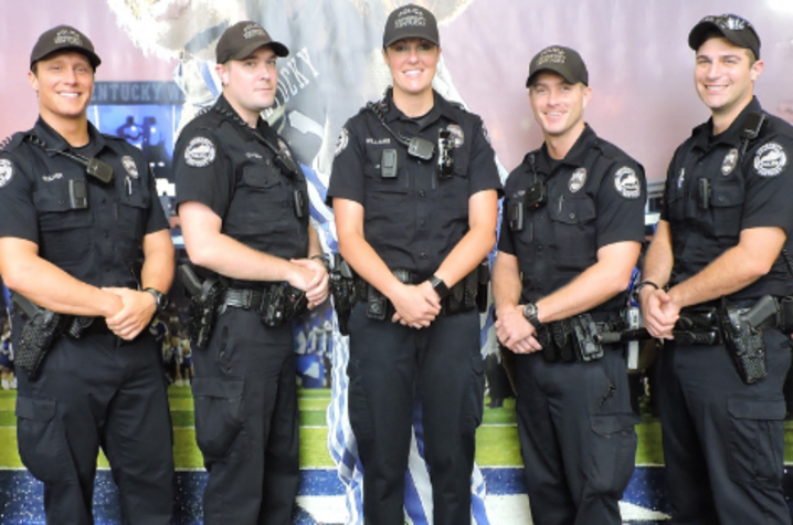 photo of 7 police officers