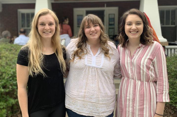 photo of graduating seniors in UK Appalachian Studies