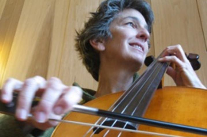 photo of Julia Weatherford with cello