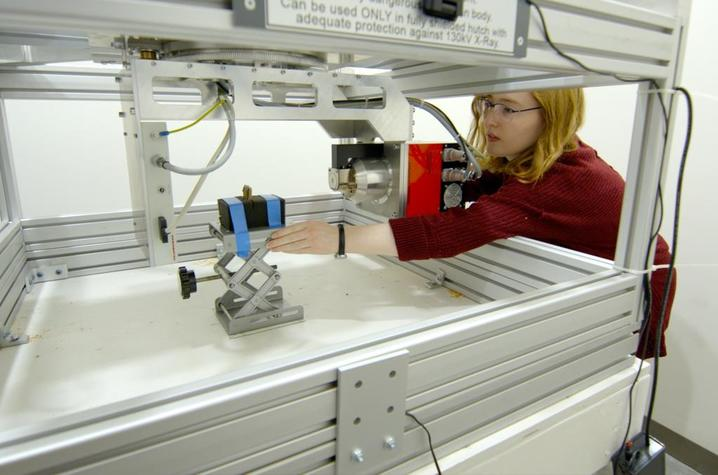 photo of Kyra Seevers working in Brent Seales' lab