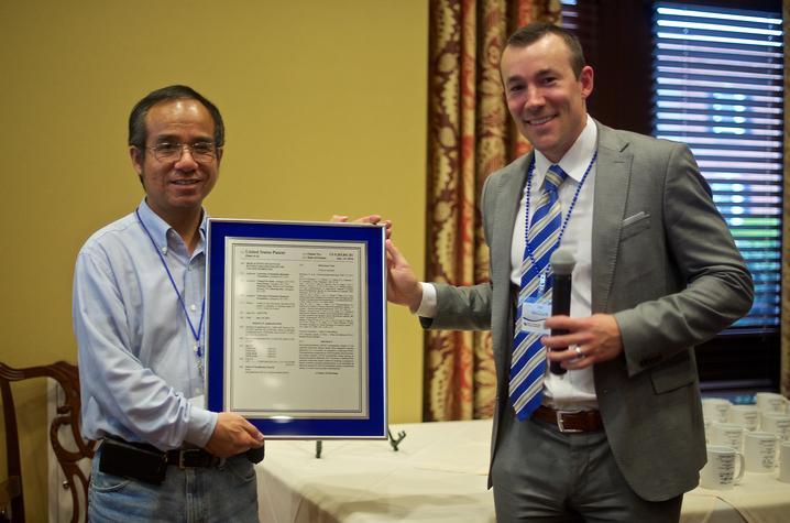 photo of Dr. Chang-Guo Zhan