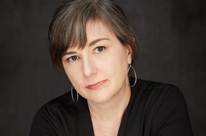 headshot photo of Linda Secondari