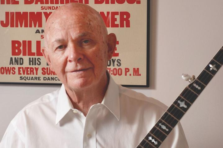 photo of Neil Rosenberg with banjo