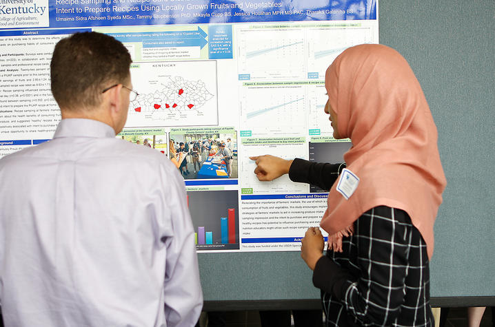 Researchers present their findings