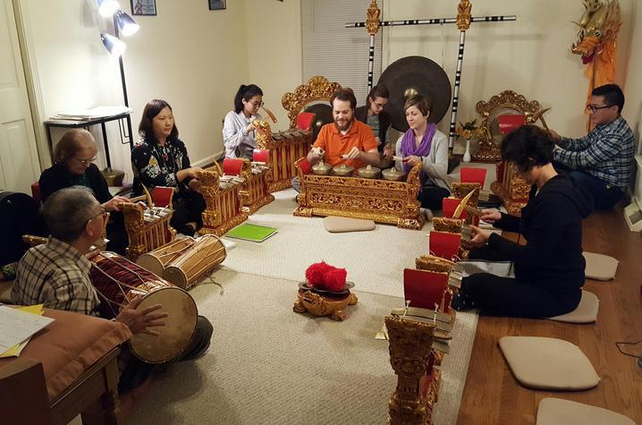 photo of UK Balinese Gamelan Angklung Ensemble rehearsal