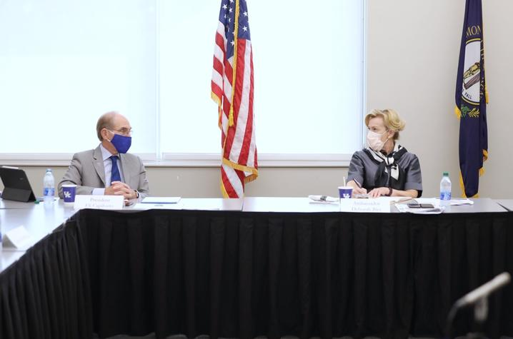 photo of UK President Eli Capilouto and Deborah Birx during roundtable discussion.