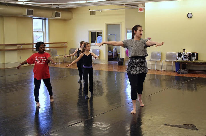 photo of ACE dance class with Ashley Jackson