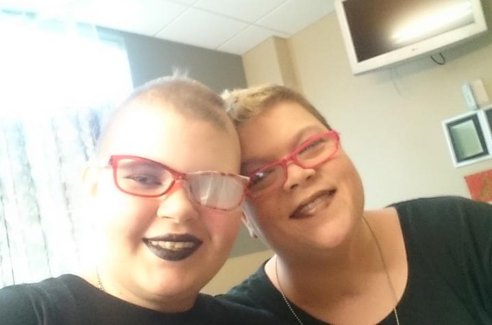 Photo of Destiny Taschner and her mother, Christina Bowen