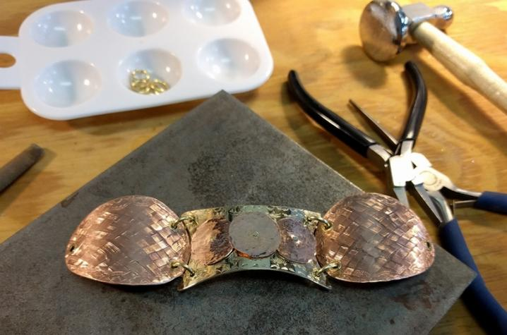 photo of bracelet from jewelry class at Fine Arts Institute