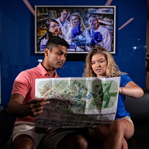 photo of students in UK Visitor Center