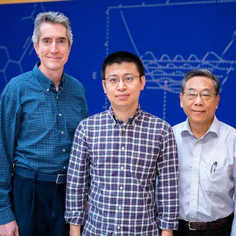 photo of Terry Draper, Jiang Liang and Keh-Fei Liu