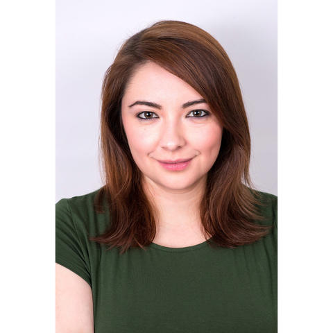 headshot photo of Amanda Lopez
