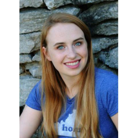 headshot photo of Anna Wagner