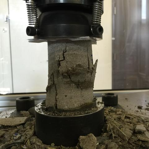 photo of mortar cylinder test