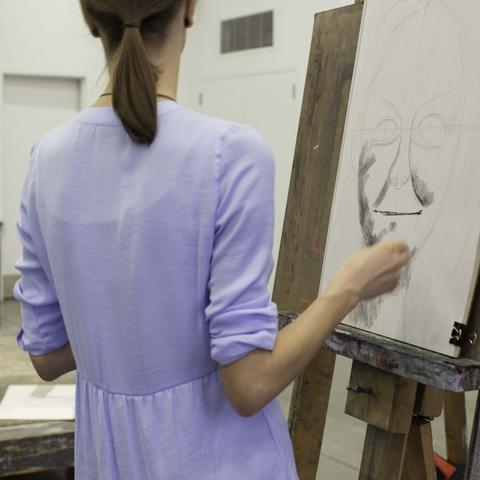 photo of drawing class - Fine Arts Institute