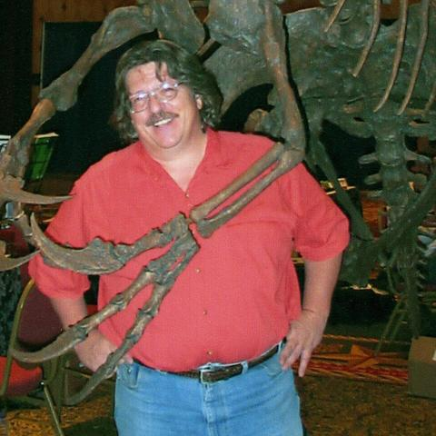 James Kirkland with Nothronychus