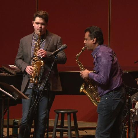 photo of Kirby Davis and Rudresh Mahanthappa play saxophones in masterclass