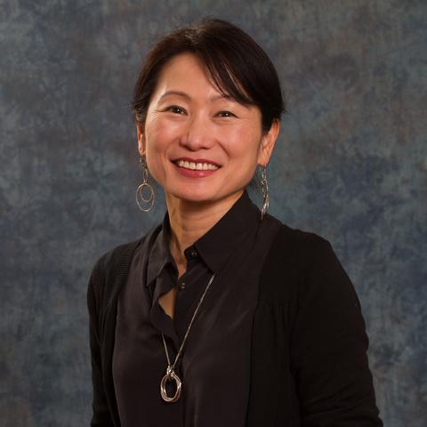 Historian Akiko Takenaka wins Fulbright grant