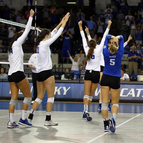 photo of UK Volleyball Team celebrating