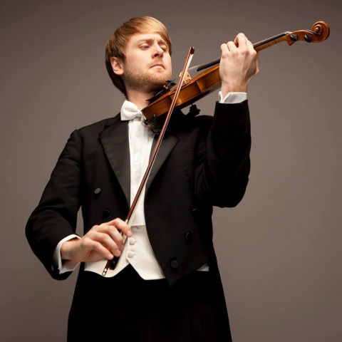 photo of Zachary DePue with violin