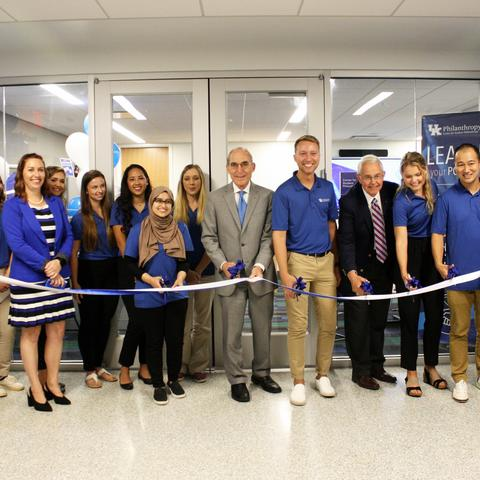 photo of ribbon cutting at Center for Student Philanthropy