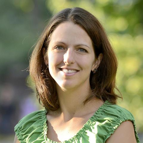 photo of Catherine Linnen
