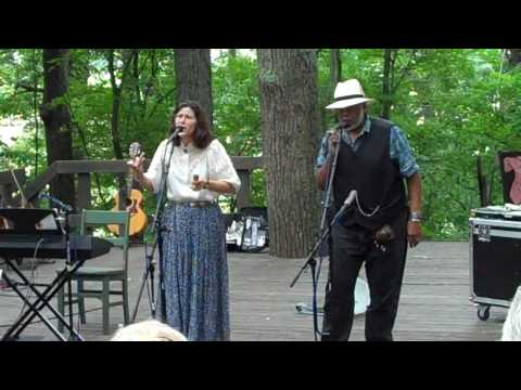 Thumbnail of video for 'Appalachia in the Bluegrass' Continues With Concerts by Sparky and Rhonda Rucker, Zoe Speaks