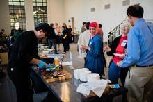 Food organizer assembles a sandwich