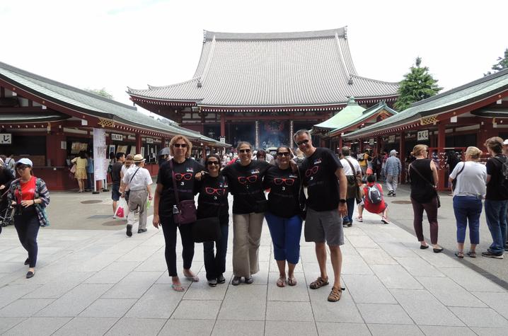 photo of members of the Exec MBA group outside of the Asakusa Temple in Tokyo