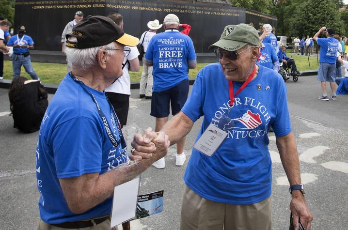 Photo of UK Honor Flight veterans at the Marine Corps War Memorial (Iwo Jima Memorial)