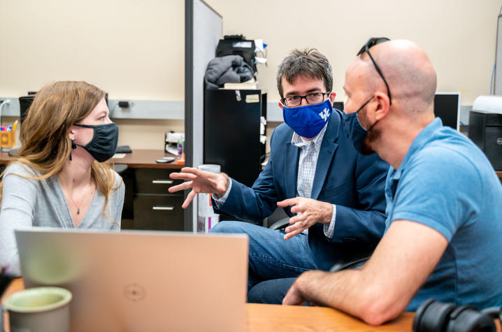 Photo of Researchers in the Lab
