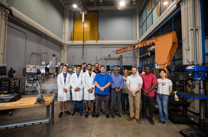 Photo of faculty, staff and students in the ISM Sustainable Machining Research Lab.