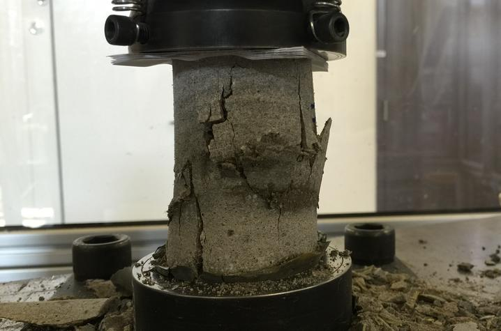 photo of mortar cylinder test