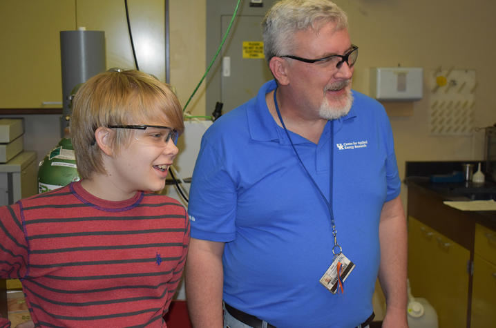 photo of UK CAER mentor Dave Eaton with Todd Prater