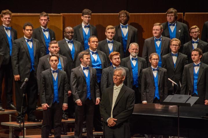 photo of Jefferson Johnson in front of the UK Men's Chorus