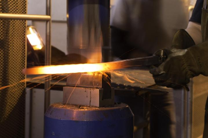 photo of student in metalworking - Fine Arts Institute