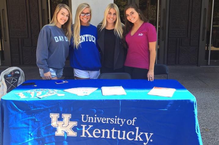 Tobacco-free ambassadors tabling during Kick It Kentucky! Week