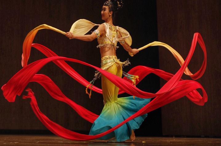 photo of Inner Mongolian dancer