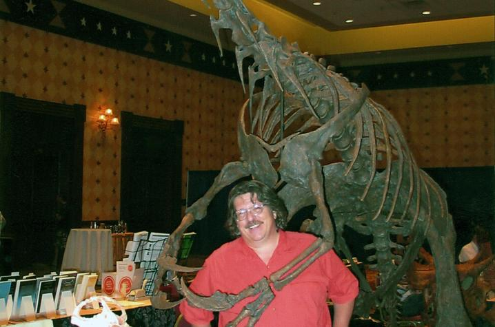 James Kirkland with Nothronychus (complete skeleton)