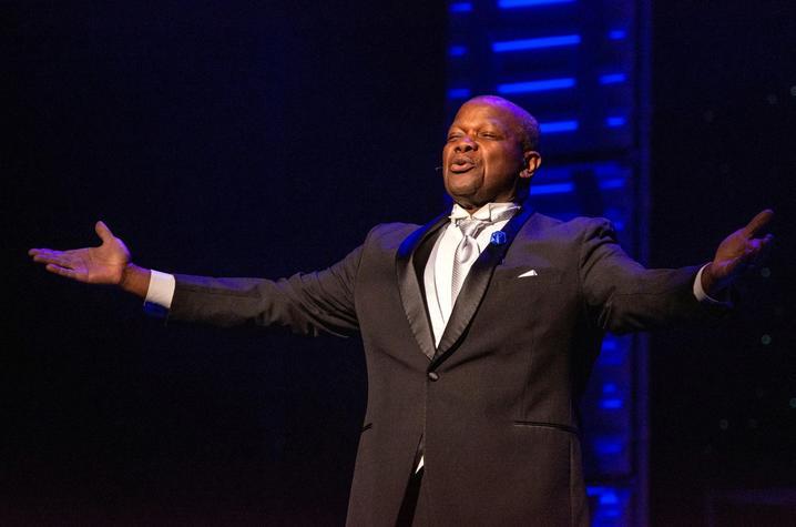photo of Everett McCorvey singing at Grand Night