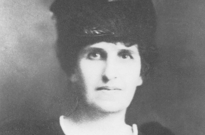black and white photo of Belle C. Gunn