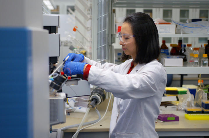 UK researcher Pan Deng is leading a study that shows a high-fiber diet could possibly reverse the harmful effects environmental toxins like PCBs have on cardiovascular health. Chad Rumford | UK Research Communications