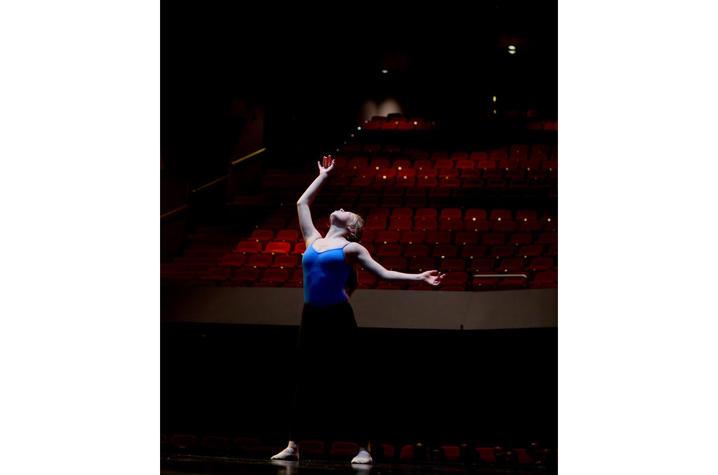 photo of Emma Lucas dancing at GSA 2016
