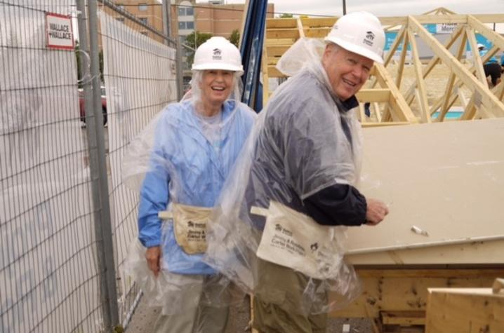 Longtime supporters of the University of Kentucky College of Agriculture Food and Environment, Jean (left) and Gene (right) Cravens